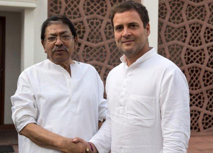 West Bengal Congress president Somen Mitra with Congress president Rahul Gandhi. Twitter