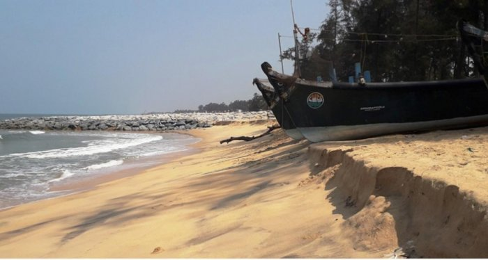 Sea erosion threatens to damage boats parked on the Trasi-Hosapete-Kanchugodu stretch in Byndoor taluk.