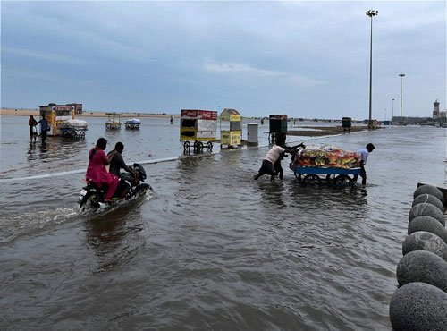 Intermittent rains keep Chennai on toes, situation eases