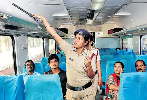 Bomb scare on Chennai-bound trains turns out be hoax