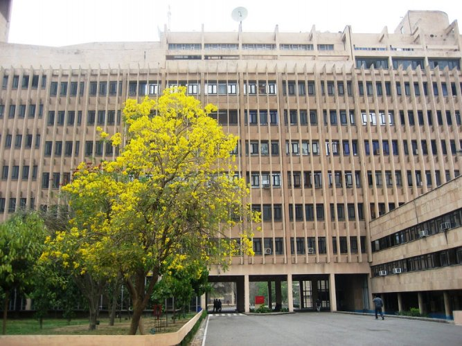 Row as IIT-Delhi asks girls to wear 'decent', 'full clothes'