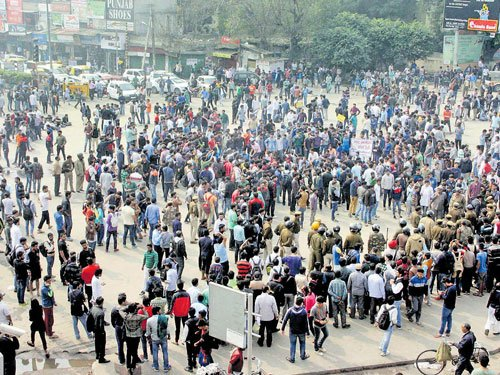 Jat stir: Water crisis in Delhi, schools to remain closed tomorrow