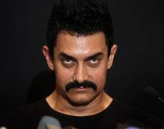 'Delhi Belly' adult tag Aamir's publicity gimmick: Mahesh Bhatt
