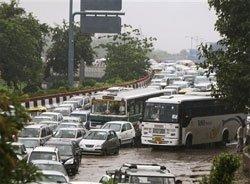 Chaos 'rains' in Delhi, again