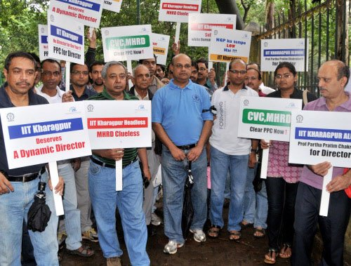 IIT-Kharagpur alumni protest in Bangalore