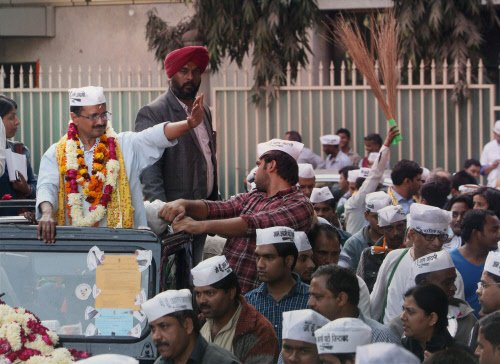 AAP holds rallies to seek people's opinion on govt formation