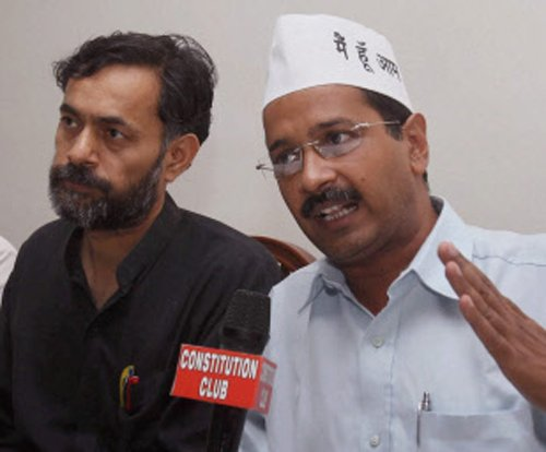 AAP can give third option for PM: Yogendra Yadav