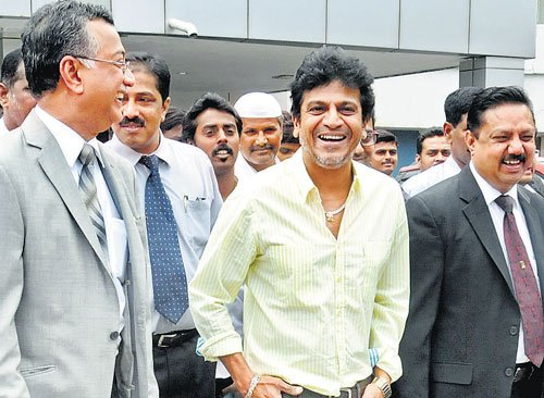 Shivarajkumar to support wife in her political pursuit