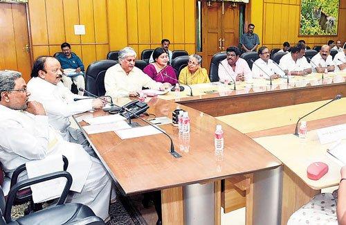 Multiplexes told to screen Kannada films in prime slots