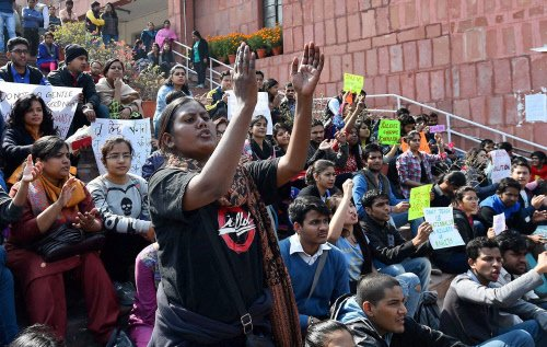 3 ABVP members resign over govt's way of tackling the JNU row
