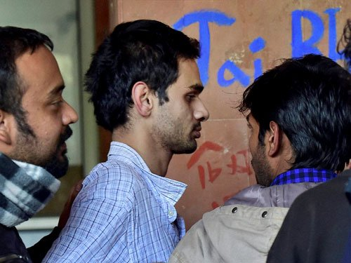 Delhi HC asks two accused JNU students to surrender