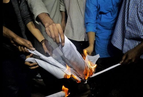 Notice issued to five JNU students to explain position on Manusmriti event