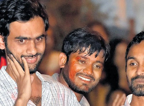 HC puts on hold JNU action against Kanhaiya, others