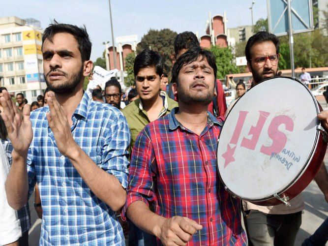 Admission policy changes: JNU students protest at UGC office