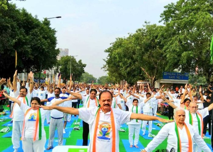 Delhiites stretch and twist to celebrate Yoga after rains