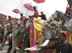 Thousands watch colourful 'Jamboo savari' at Mysore