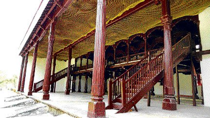 Shimoga's many-pillared palace