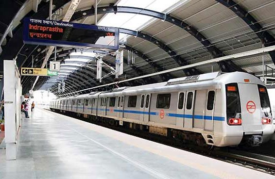 Delhi metro commuters delayed due to breakdown of train