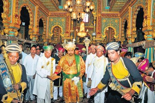Mysore shines as Dasara kicks off