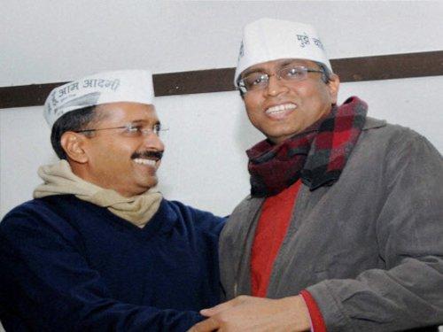 Delhi Lt. Governor a Congress agent: AAP
