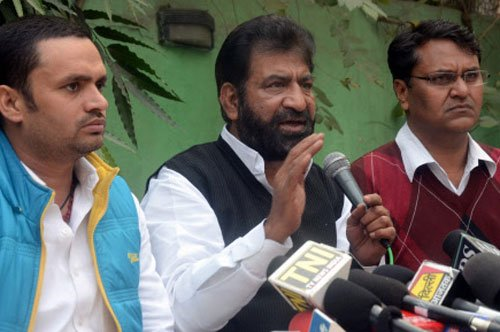Shokeen withdraws support to AAP government officially