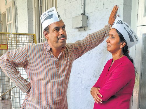 Bala enters fray as AAP nominee for B'lore Central