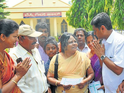 Politicking reaches its peak in Mysore on Sunday