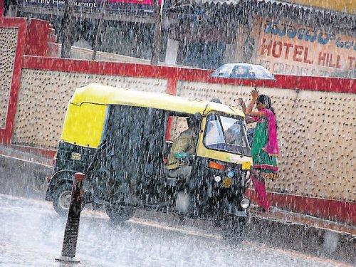 Rains lash Chikmagalur, Madikeri