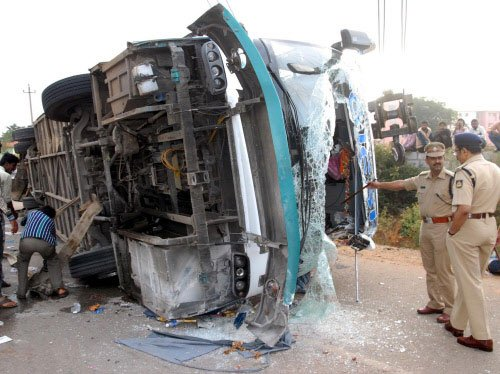 Nine killed in tempo-truck crash near Mysore