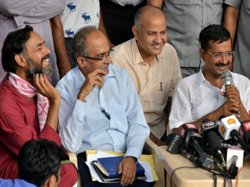 AAP quells dissent, rejects resignations