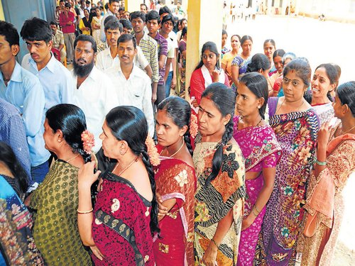 Moderate polling in Karnataka Assembly by-polls