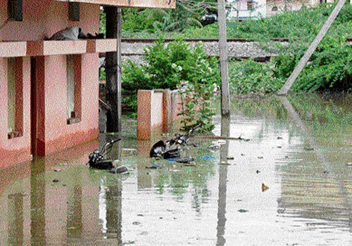 Heavy rain inundates Raichur