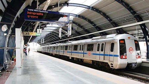 CISF trooper kills self in Delhi Metro
