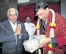 Wooing Mittal, govt notifies Bellary land