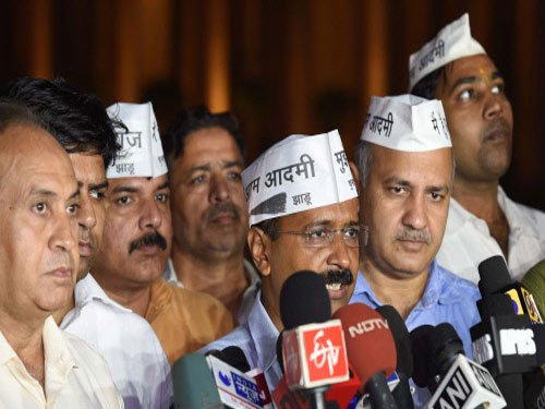Yadav, Bhushan pitch for 'new blood' in AAP Political Affairs Committee