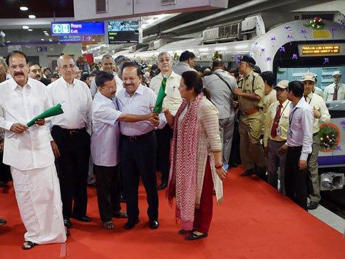 Delhi Metro services begin on ITO-Mandi House section