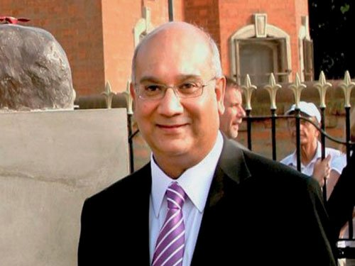 Keith Vaz re-elected chair of UK Parliament committee