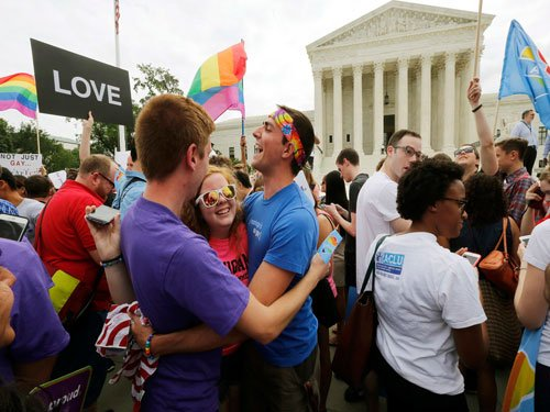 US Supreme Court extends same-sex marriage nationwide