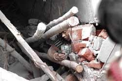 6 dead, 14 rescued in Bellary building collapse