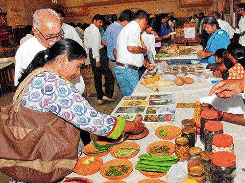 Bamboo rice beckons visitors at seed festival in Mysuru