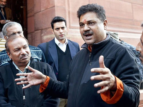 Kirti Azad alleges bungling in DDCA, AAP government to probe