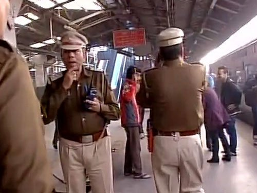 Bomb scare on Delhi-Kanpur trains,Shatabdi halted at Ghaziabad