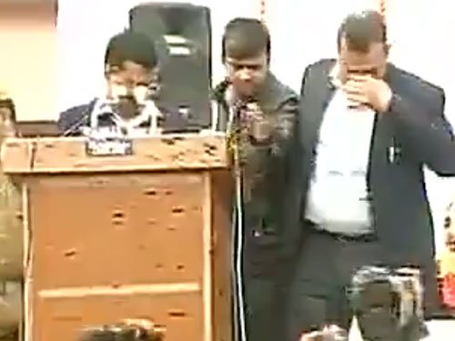 Ink attack on Kejriwal, AAP calls in BJP conspiracy