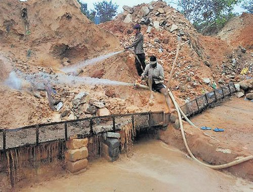 AAP raid on illegal sand unit whips govt into action