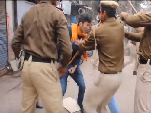 Delhi Police under fire for assault on student protesters