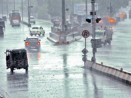 Rain lashes parts of state, crops ruined in Tumakuru