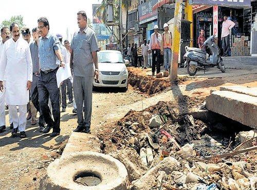 May 31 deadline for repairing potholes on Mysuru Road
