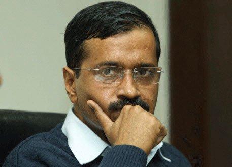 Centre-Delhi tussle: SC refuses to entertain AAP govt's plea