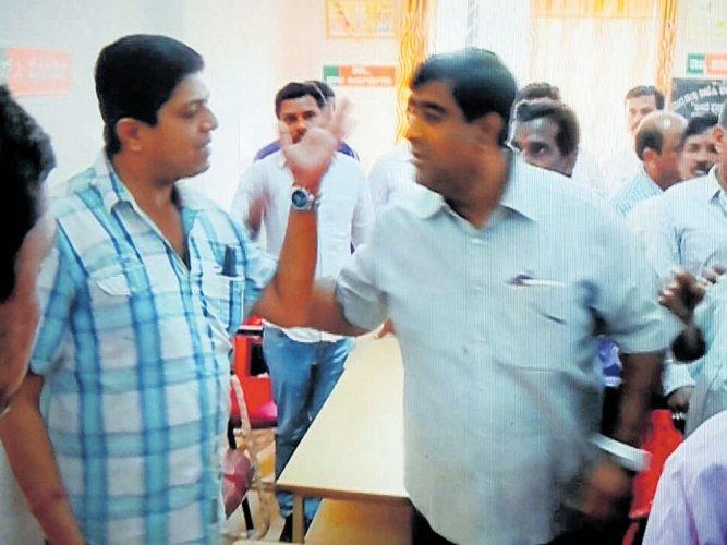 BJP streetfight in Shivamogga