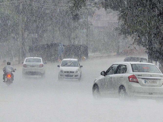 Dharwad, Kalaburagi receive first showers of the season
